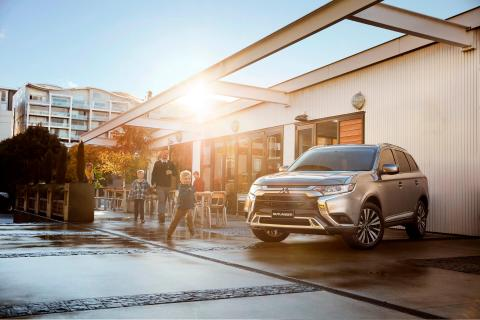 Family with Outlander SUV